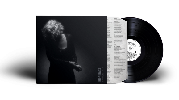 geen-haast-vinyl-record-and-cover-presentation-mock-up